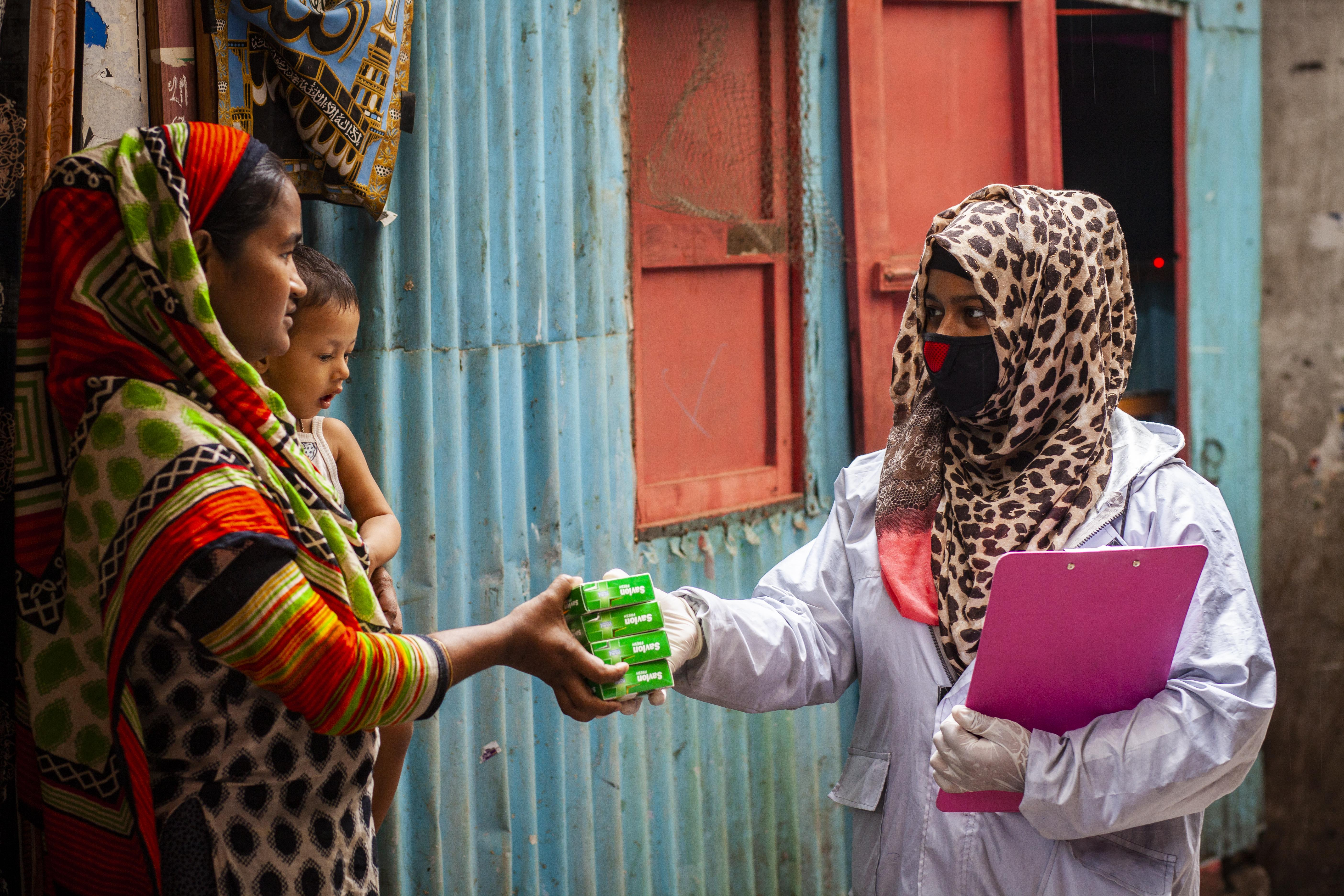 COVID-19 emergency response activities, Madartek, Basabo, Dhaka. Photo: UN Women